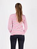 Camiseta de mujer de manga larga con rayas rojas espalda